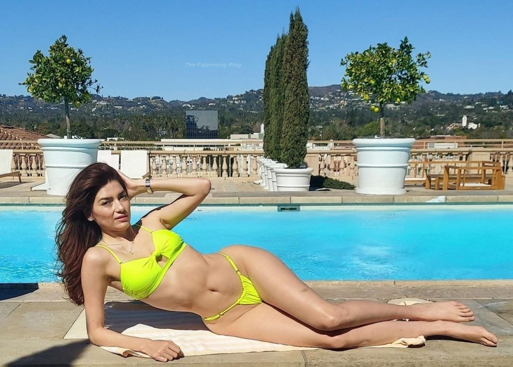 Blanca Blanco Goes For a Dip in the Pool at the Maybourne Hotel (21 Photos)