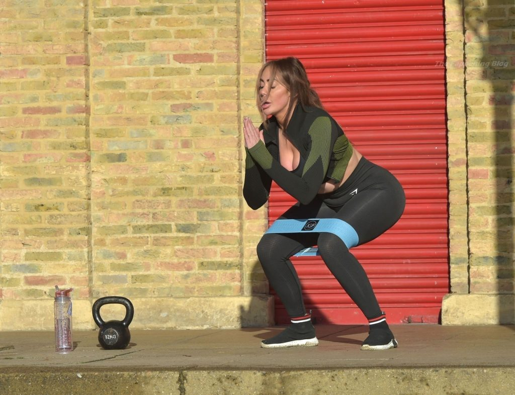 Chloe Ferry Trains Out in the Snow and Works Up a Sweat with Her Personal Trainer (33 Photos)