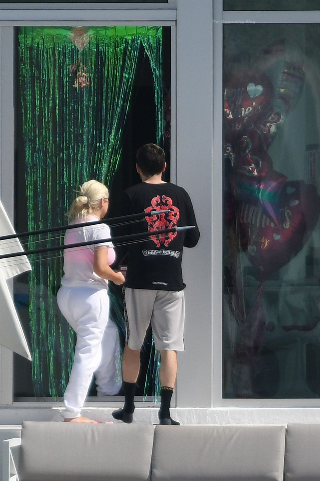 Christina Aguilera Takes a Dip in the pool Between Recording Sessions in Miami (86 Photos)