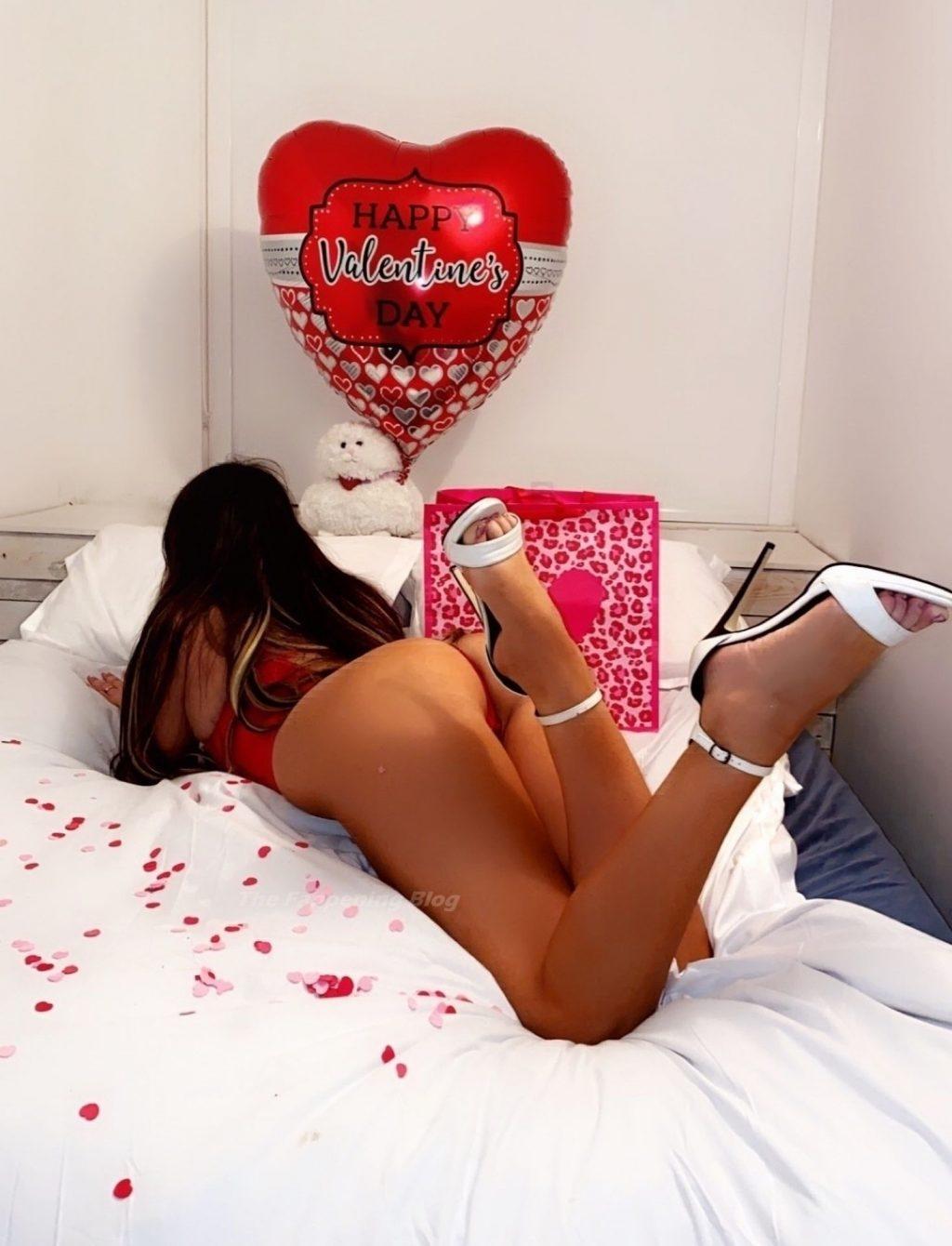 Claudia Romani Poses for Valentine's Day (8 Photos)
