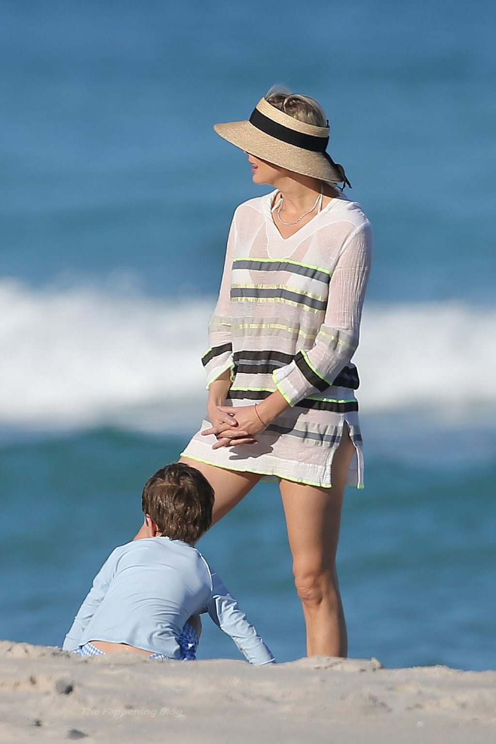 Ivanka Trump Wears a Bikini Under a Short Cover-up as She Relax on the Beach in Miami (65 Photos)