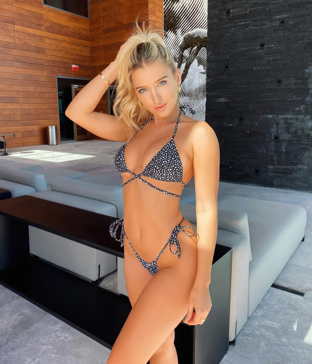 Jilissa Ann Zoltko Sexy (33 Photos)