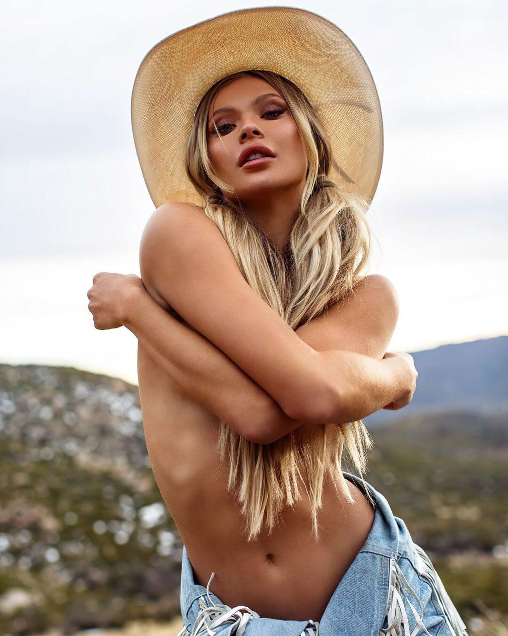 Josie Canseco Nude & Sexy – Maxim Mexico (10 Photos)