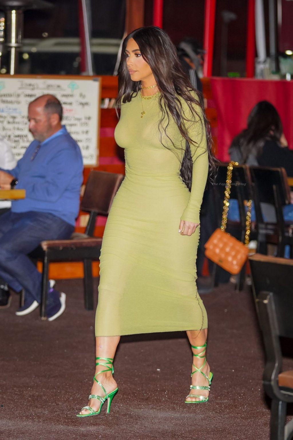 Kim Kardashian Enjoys a Ladies Night with Kourtney, La La Anthony After Filing For Divorce (51 Photos)