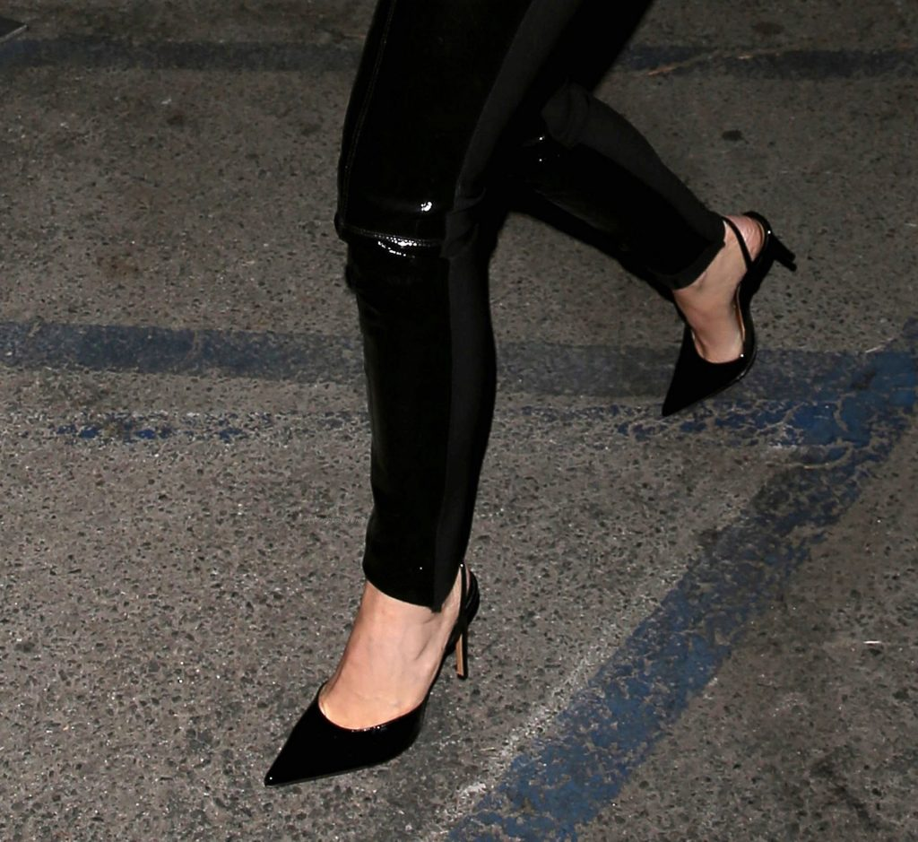 Kylie Jenner Steps Out to Meet Her Father for Dinner in WeHo (8 Photos)