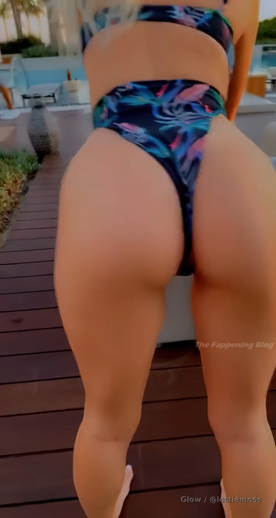Lottie Moss Nude & Sexy (23 Photos + Video)