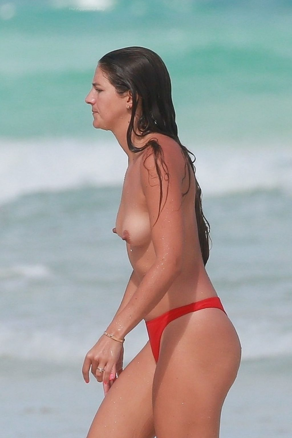 Nude Lucy Aragon Goes for a Dip in the Ocean While Out in Mexico (21 Photos)