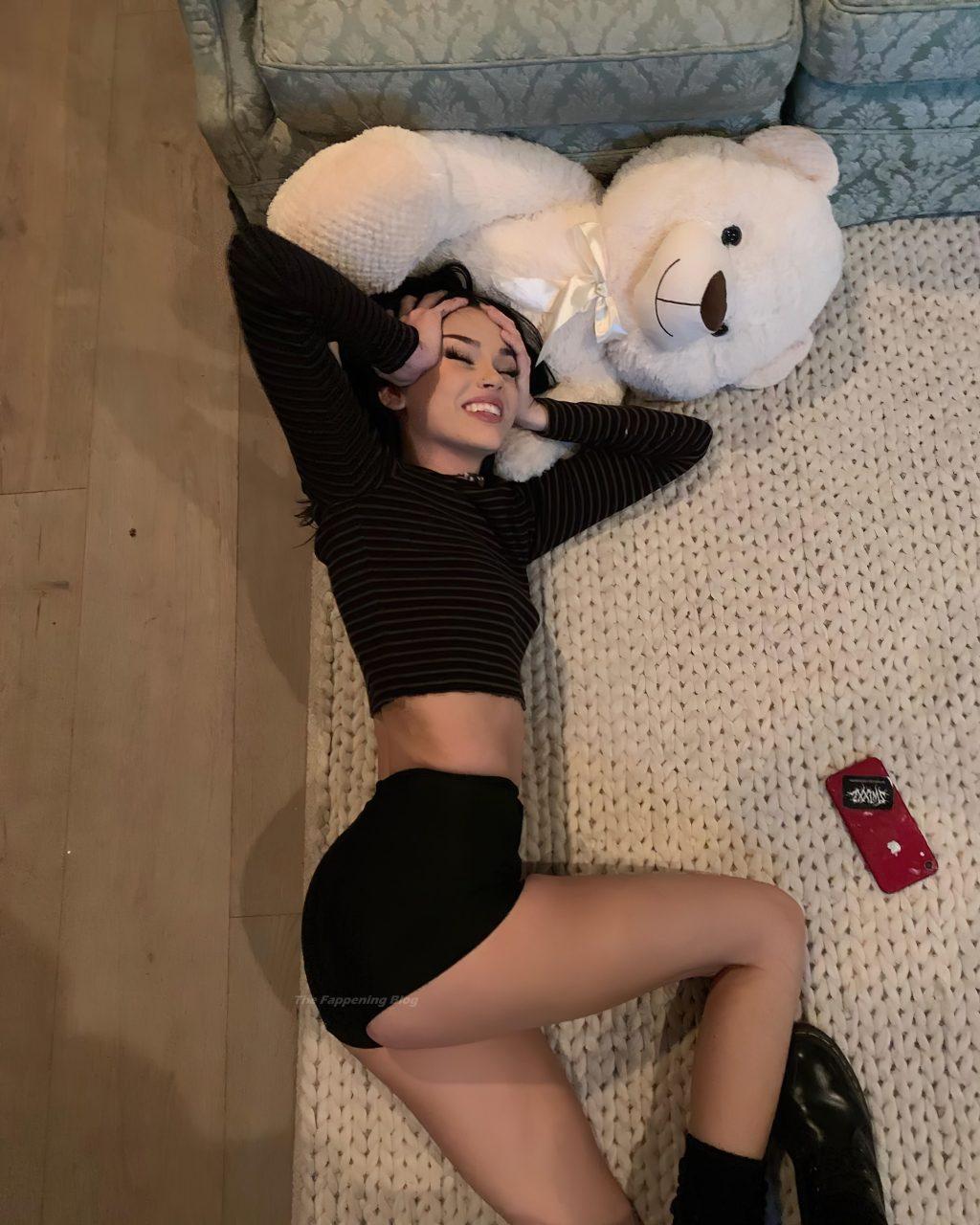Maggie Lindemann Nude & Sexy (20 Photos)