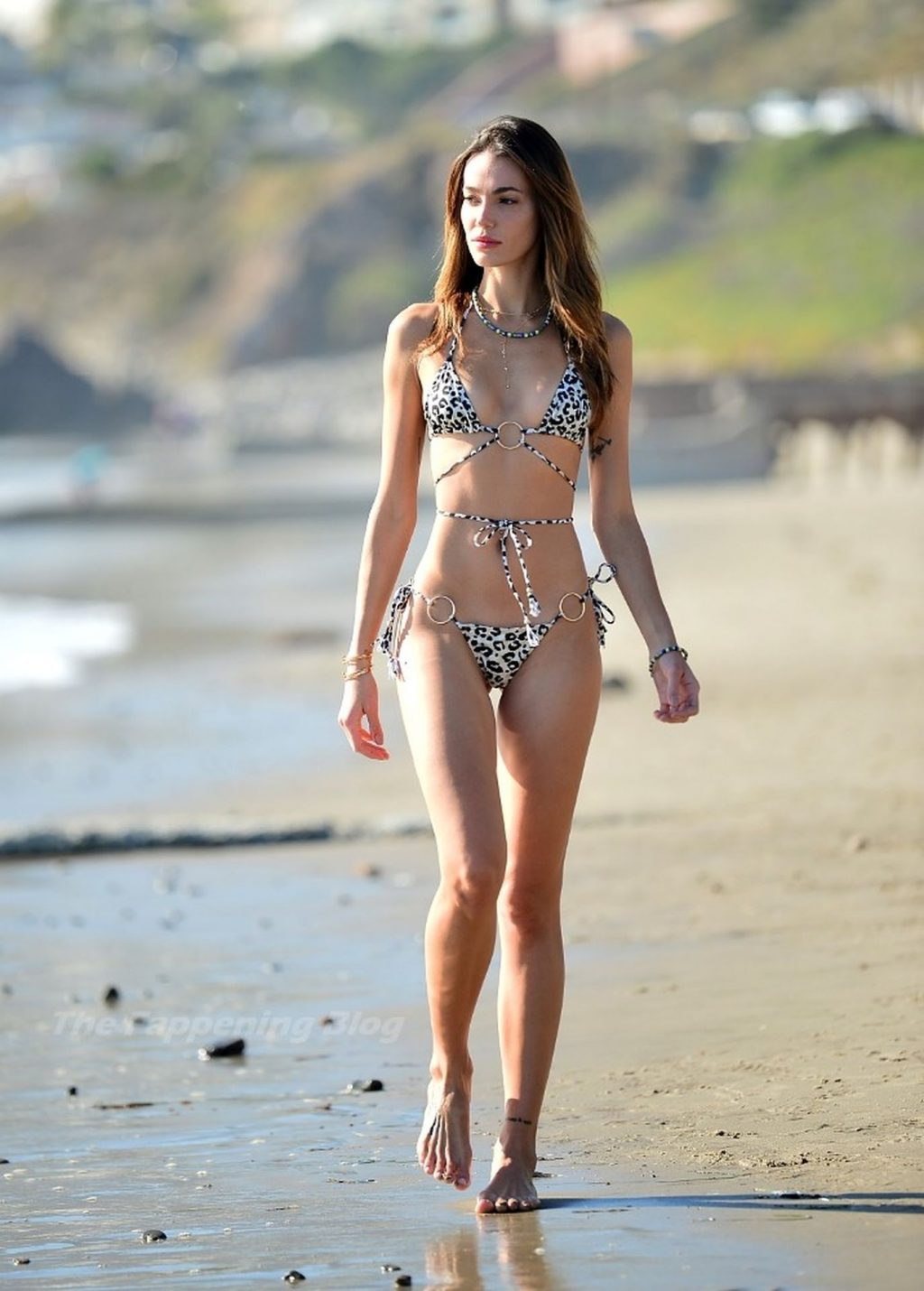 Marianne Fonseca Displays Her Incredible Body During a Day at the Beach (16 Photos)