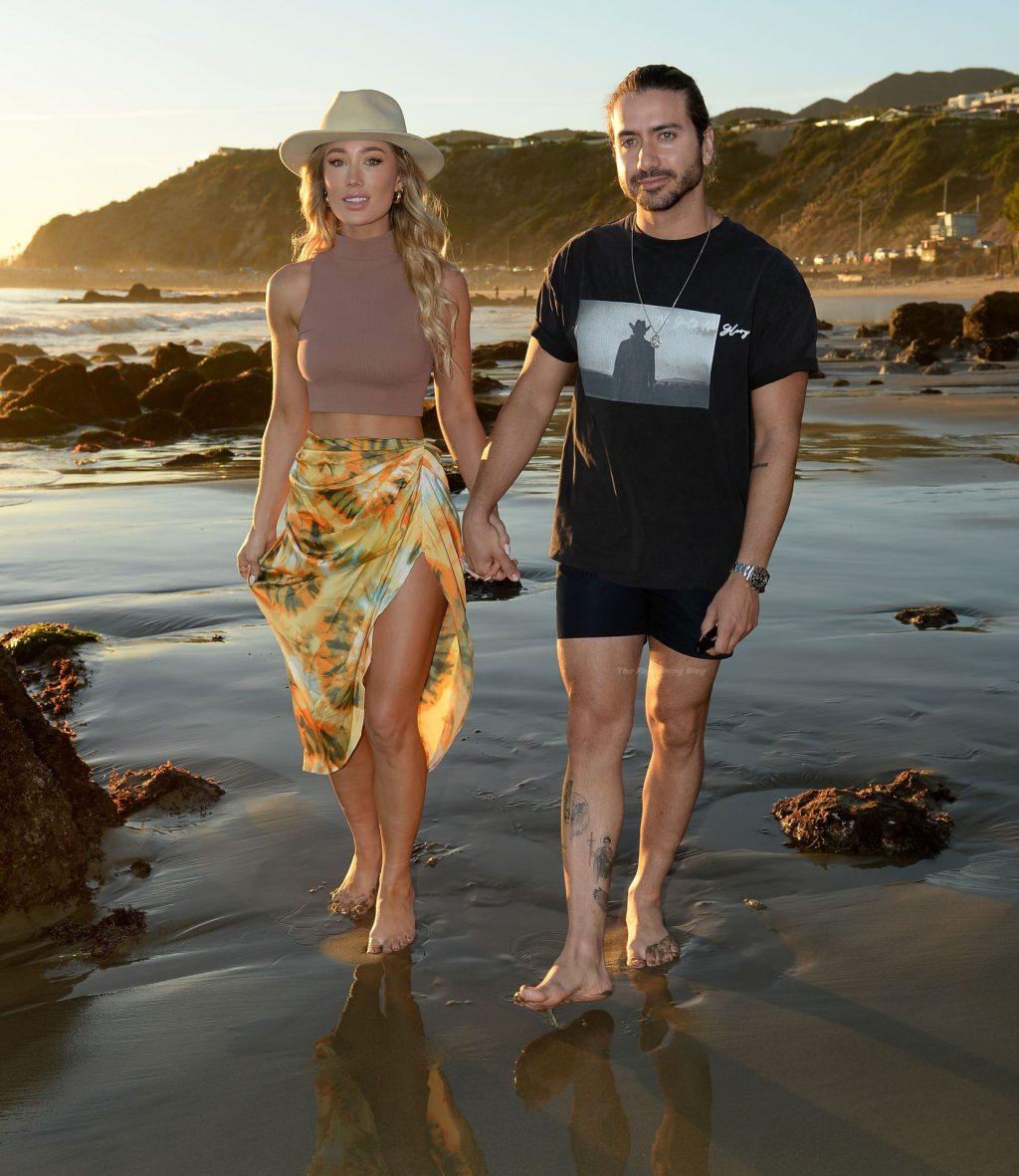 Robbi Jan & Alex Costa Enjoy a Day on the Beach (16 Photos)