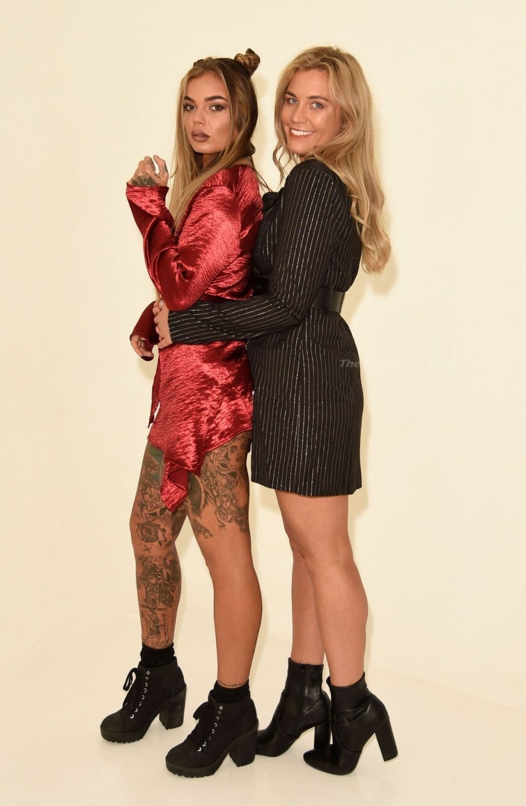 Sarah Hutchinson & Charlotte Taundry Enjoy a Sexy and Fun Photoshoot in Staffordshire (39 Photos)
