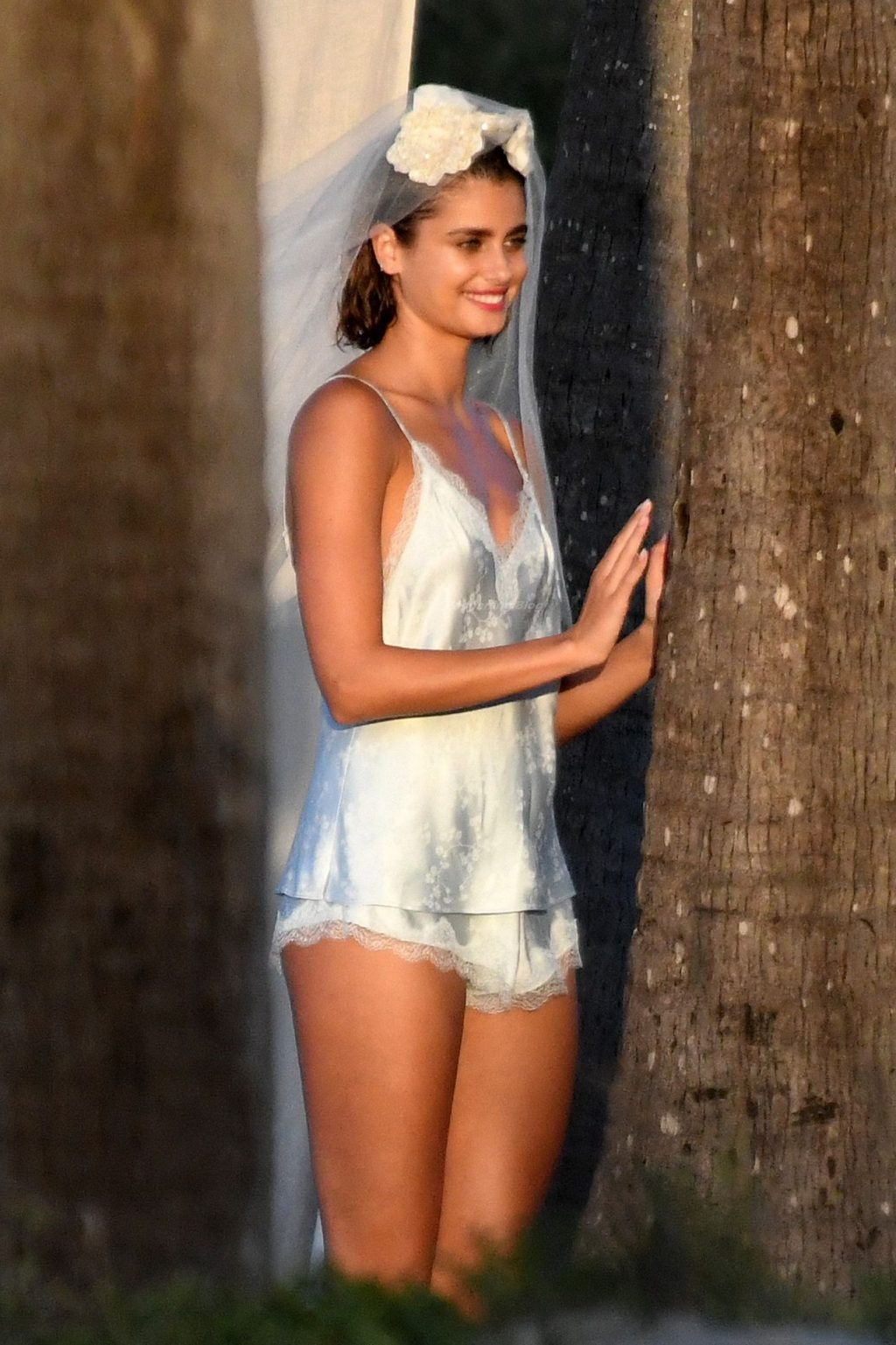 Taylor Hill Poses During a Victoria's Secret Photoshoot in Miami (40 Photos)