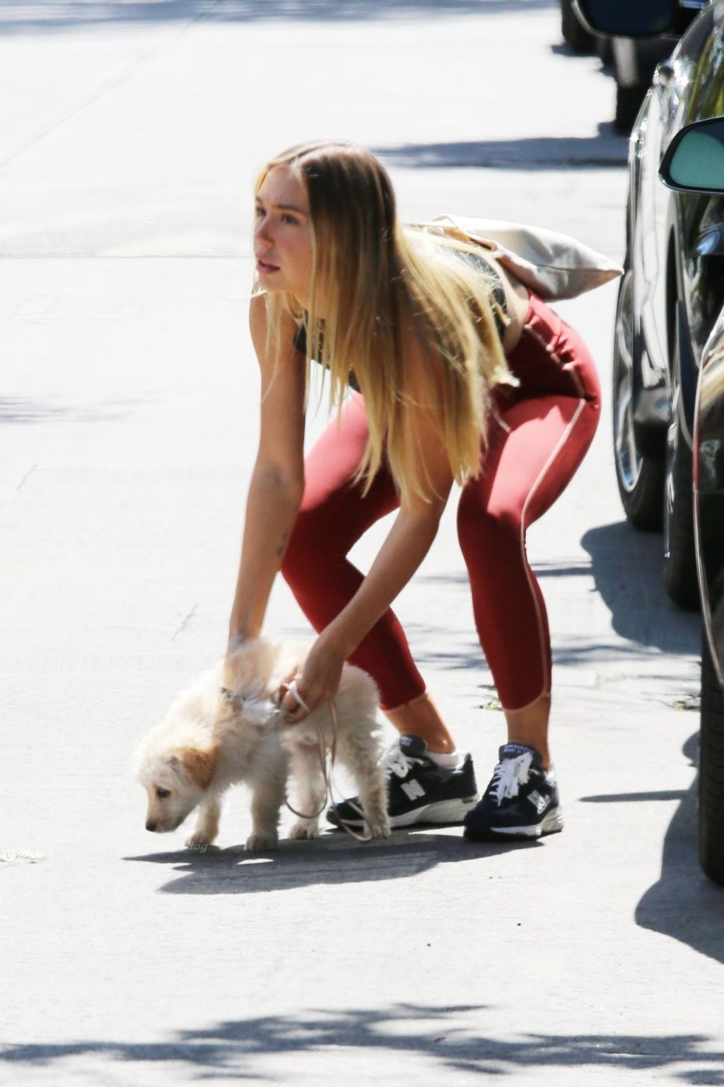 Alexis Ren Brings Her Puppy Along During a Workout Session (53 Photos)