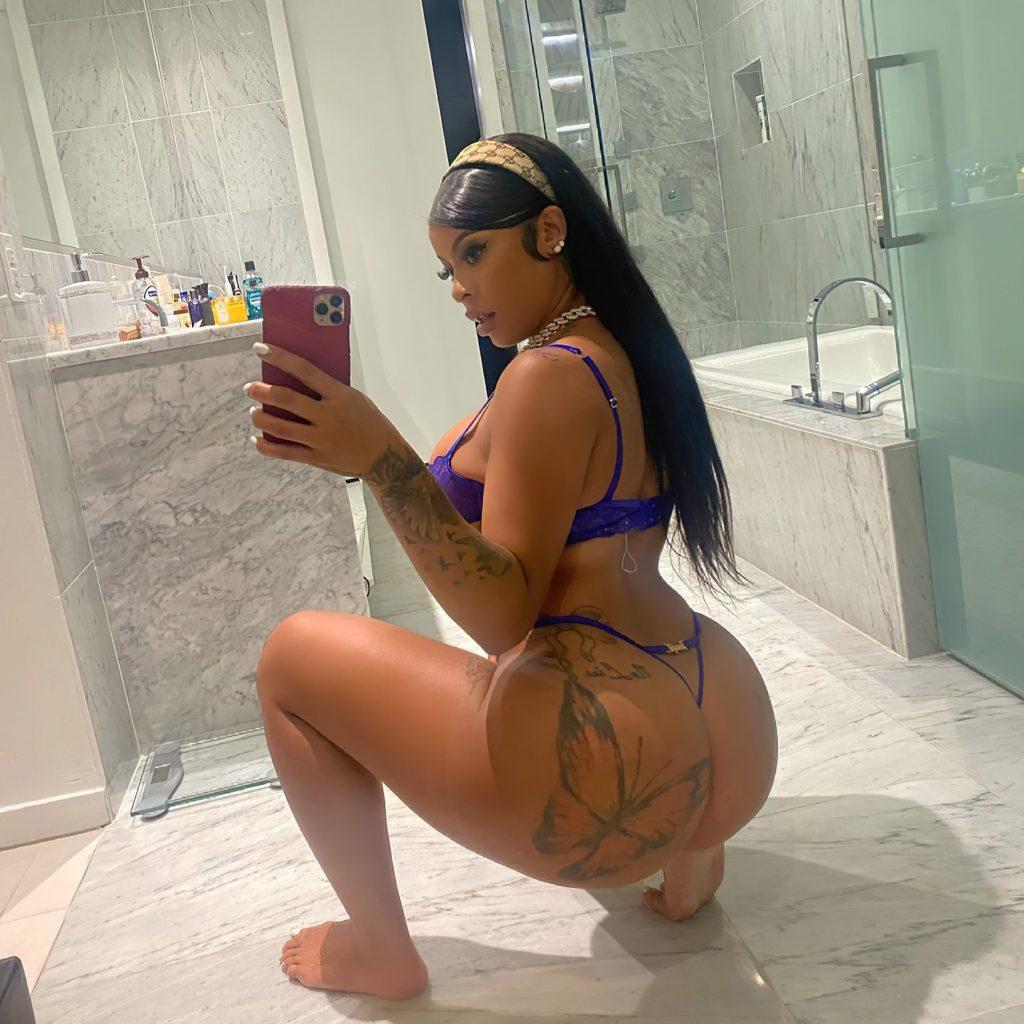 Alexis Skyy Sexy (4 Photos)