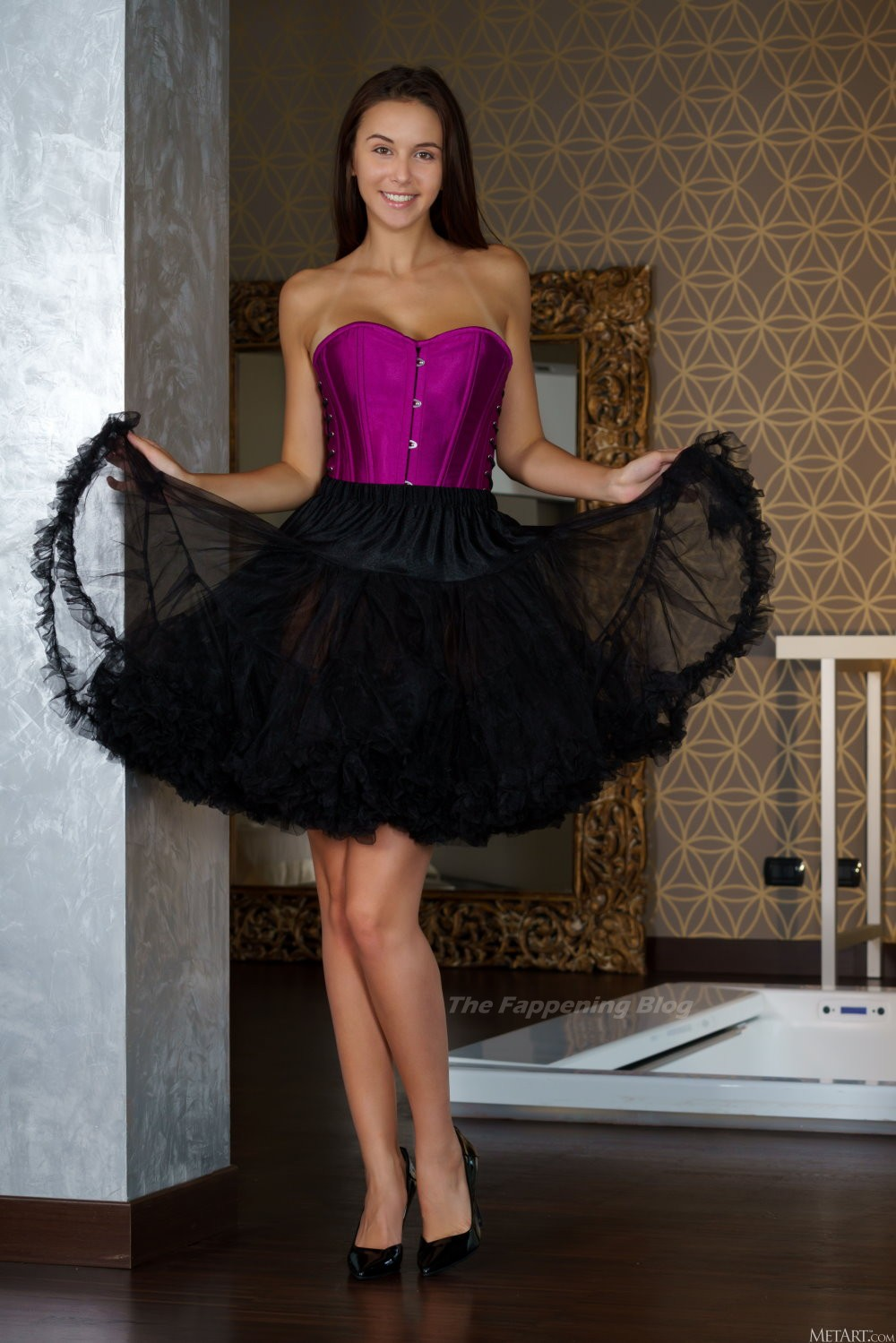 Alisa Amore Nude & Sexy – Petticoat (12 Photos)