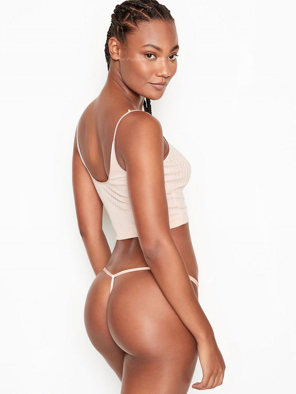 Ange-Marie Moutambou Sexy (25 Photos)
