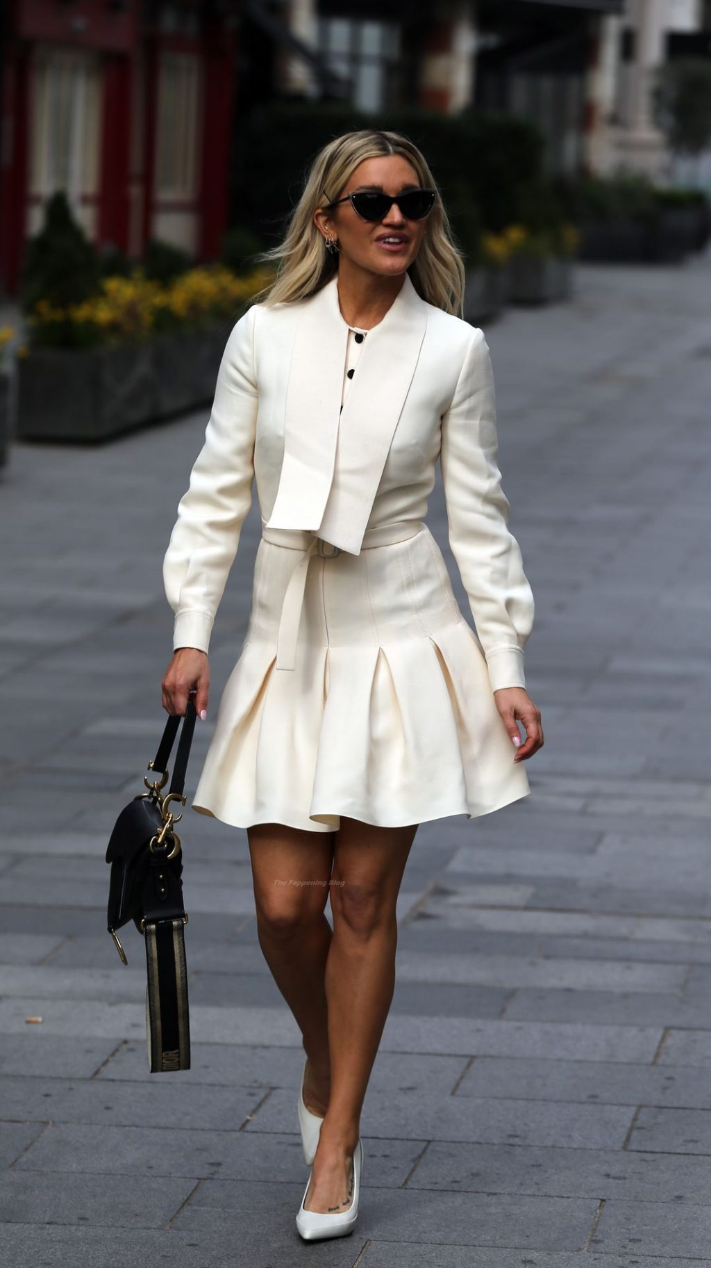 Leggy Ashley Roberts is Spotted at Global Studios (46 Photos)