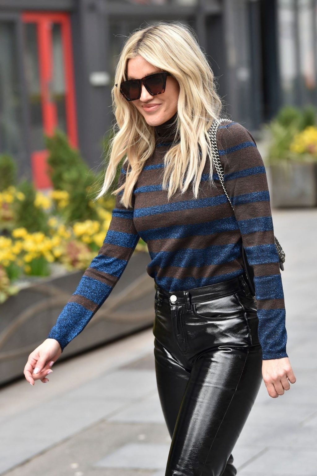 Braless Ashley Roberts Pulls of a Pair of Leather Pants at the Global Studios in London (20 Photos)