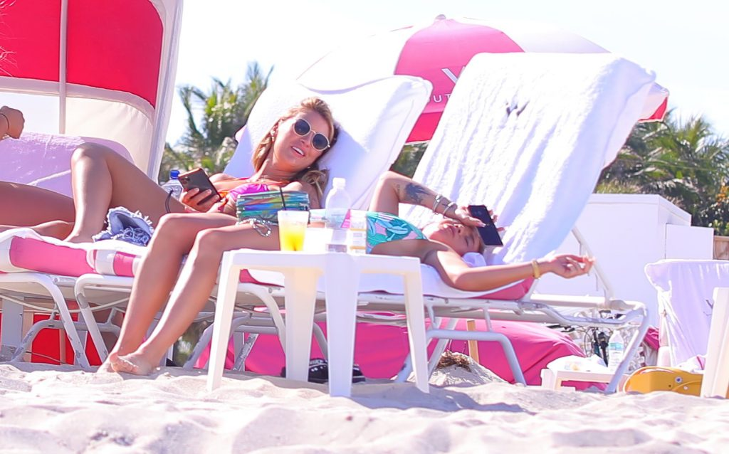 Chanel West Coast Parties With Her Galpals in Miami Beach (52 Photos)