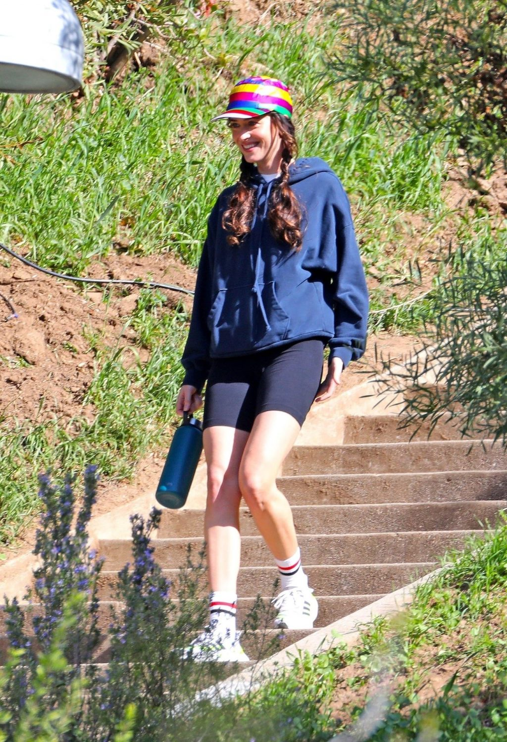 Dakota Johnson Films a Scene For Am I Ok? in LA (22 Photos)