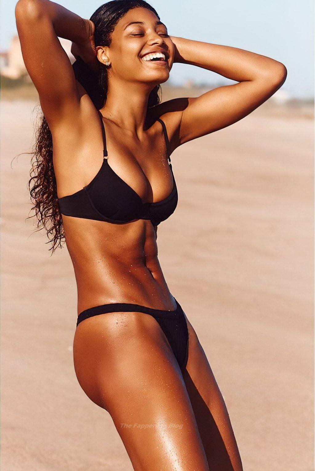Danielle Herrington Looks Stunning in Bikinis (13 Photos)