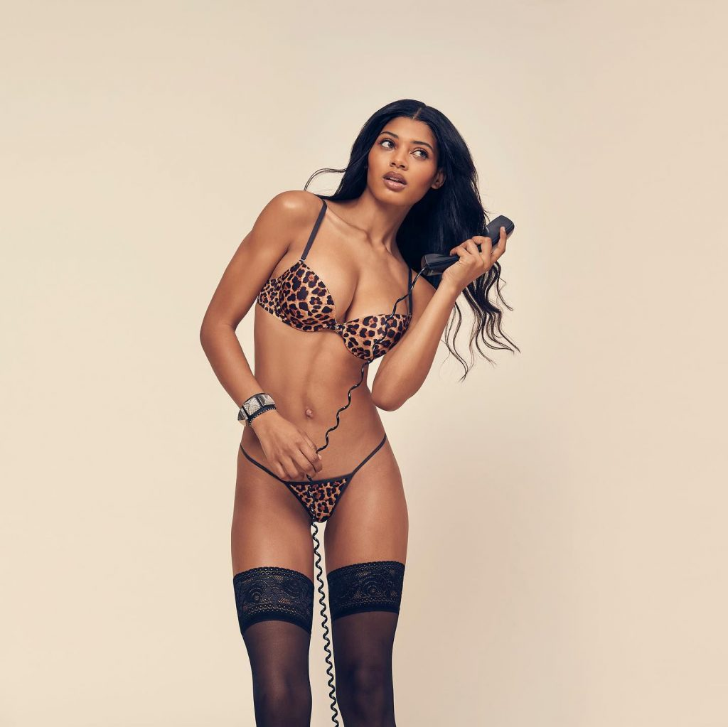 Danielle Herrington See Through & Sexy (10 Photos)