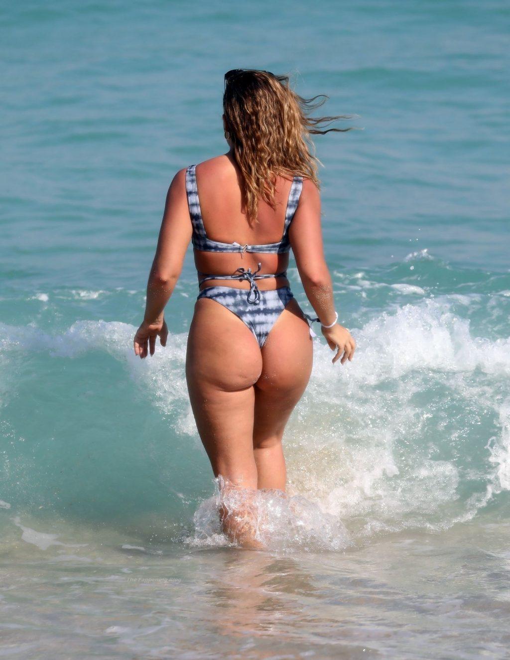 Eleonora Srugo Enjoys a Day at the beach in Miami (44 Photos)