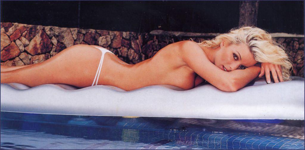 Emma Blocksage Nude & Sexy Collection (38 Photos)