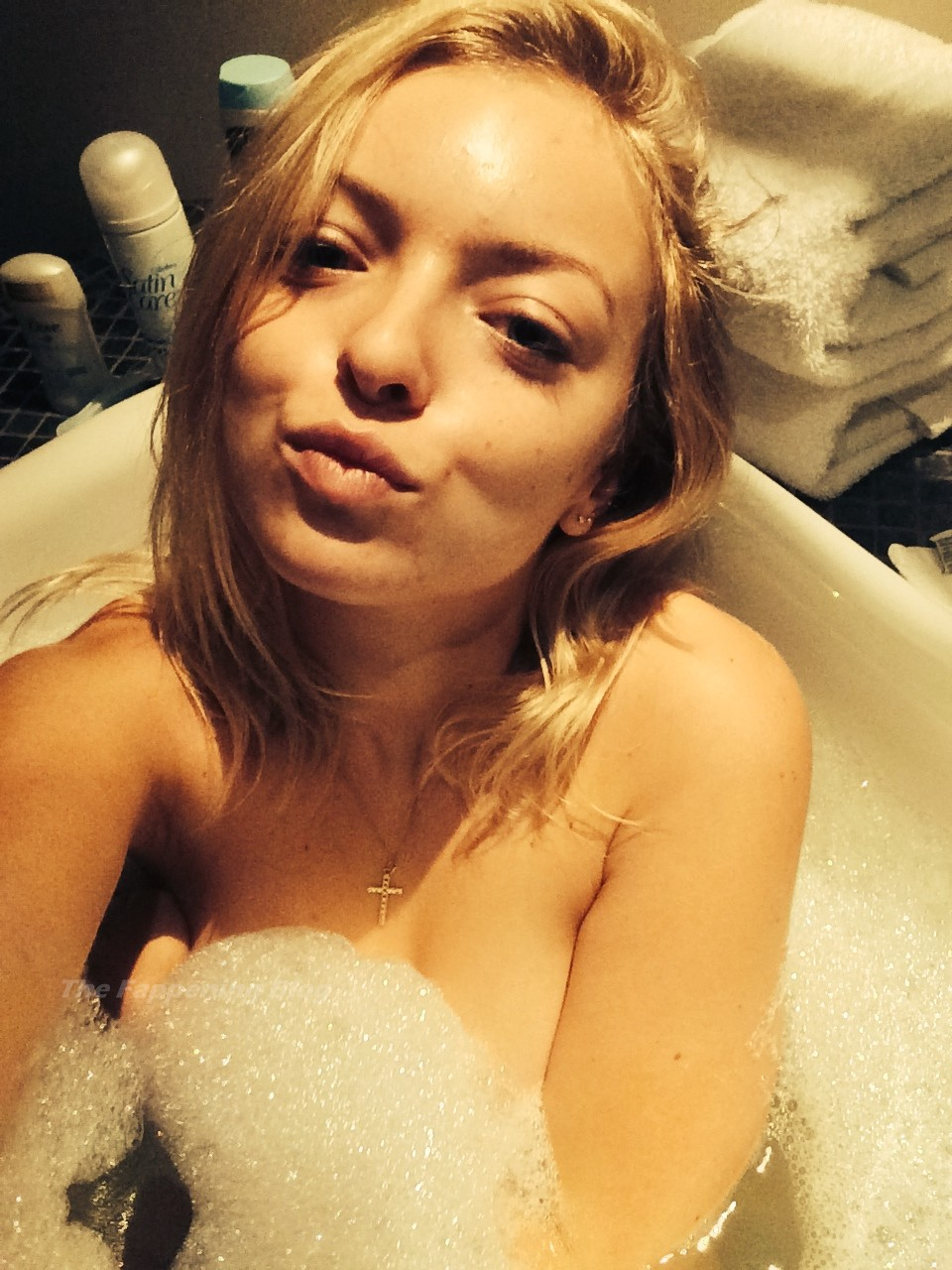 Francesca Eastwood Sexy Leaked The Fappening (2 Photos)
