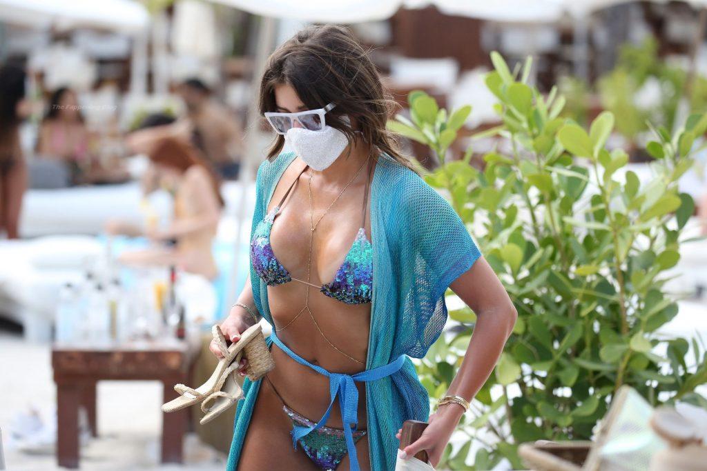 Hannah Ann Sluss Displays Her Sexy Bikini Body in Miami (72 Photos)