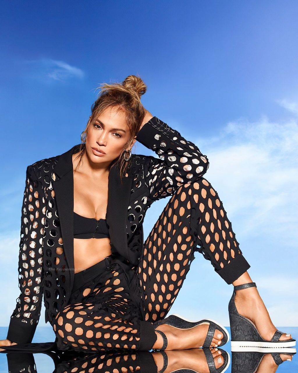 Jennifer Lopez Sexy Collection (16 Photos)