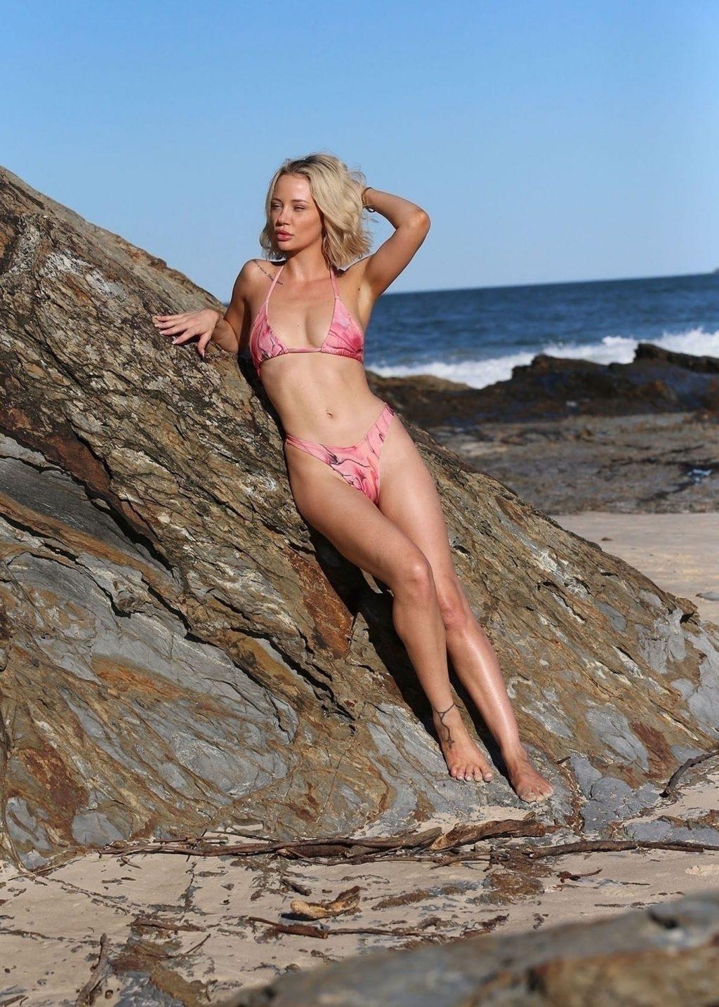Jessika Power Looks Sensational Showing Off Her Sexy Bikini Body (13 Photos)