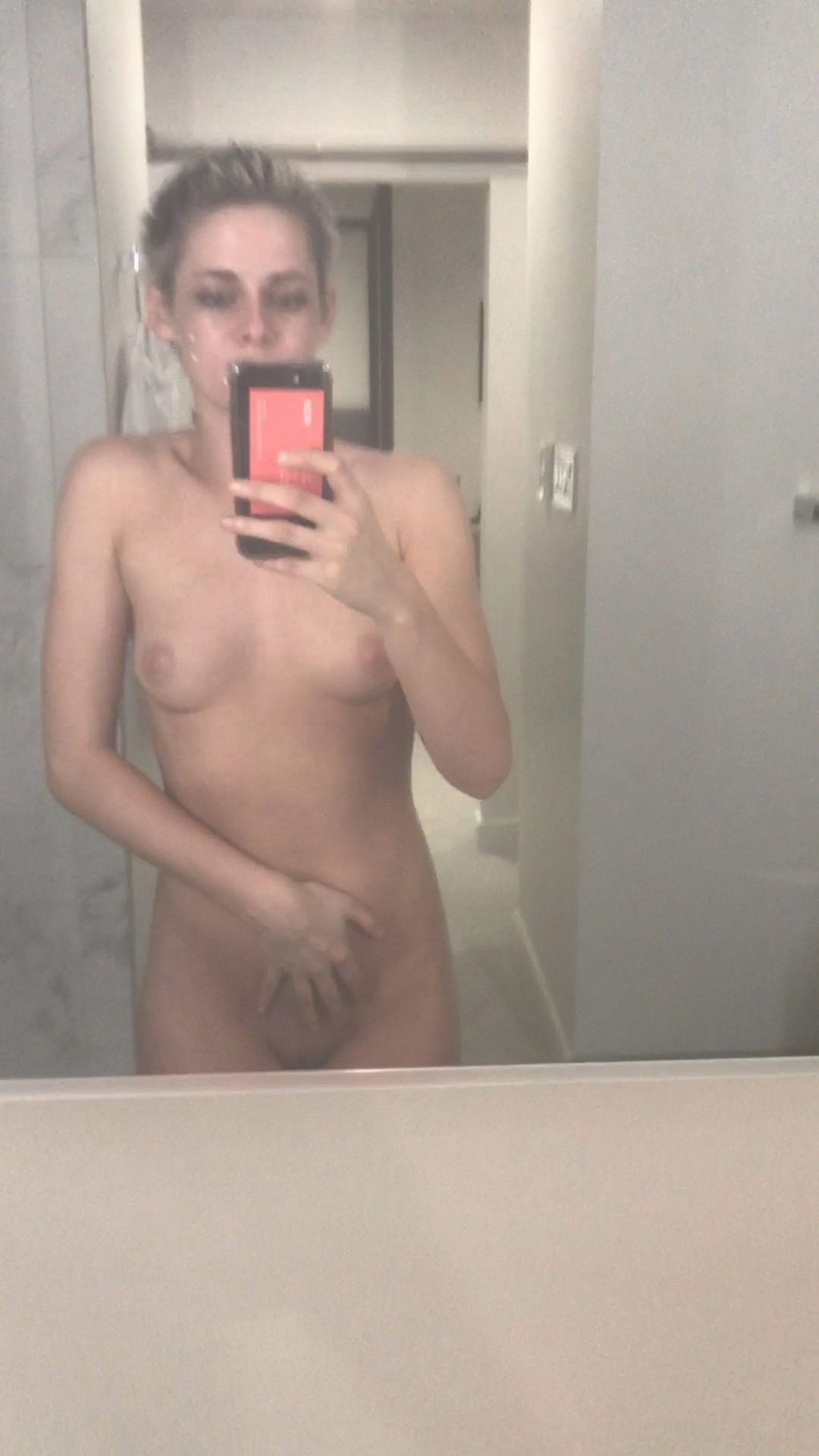 Kristen Stewart Nude Leaked The Fappening Complete Collection (235 Photos + Videos)