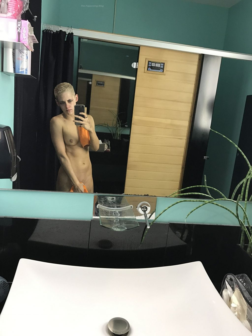 Kristen Stewart Nude Leaked The Fappening (34 Photos + Videos)