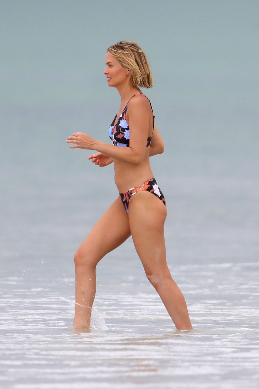 Lara Worthington is Pictured at a Photoshoot for Seafolly (36 Photos)