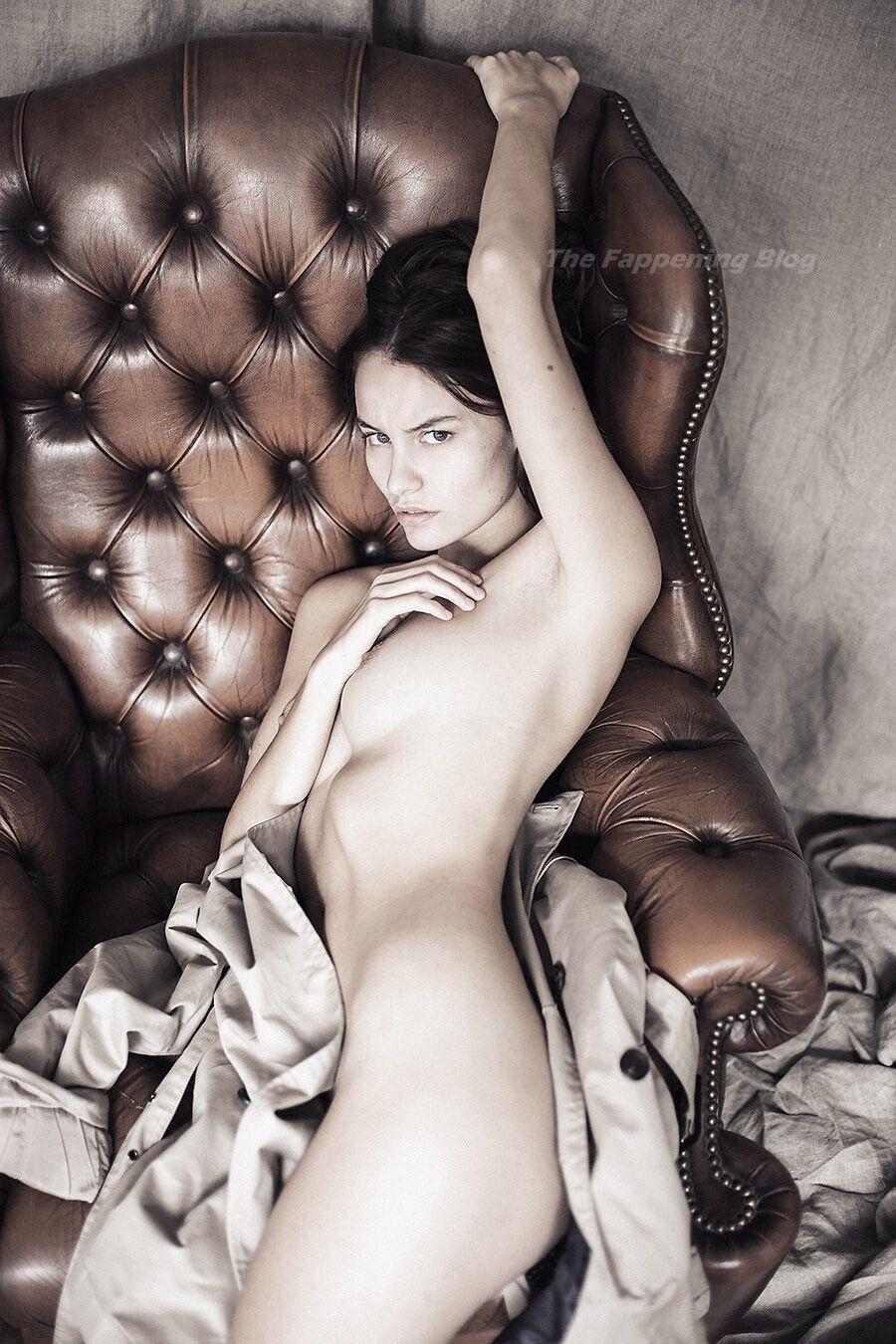 Lena Simonne Nude & Sexy (20 Photos)