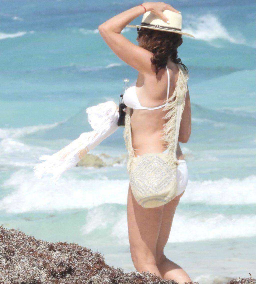 Luann de Lesseps Shows Off Her Bikini Body on the Beach in Mexico (27 Photos)