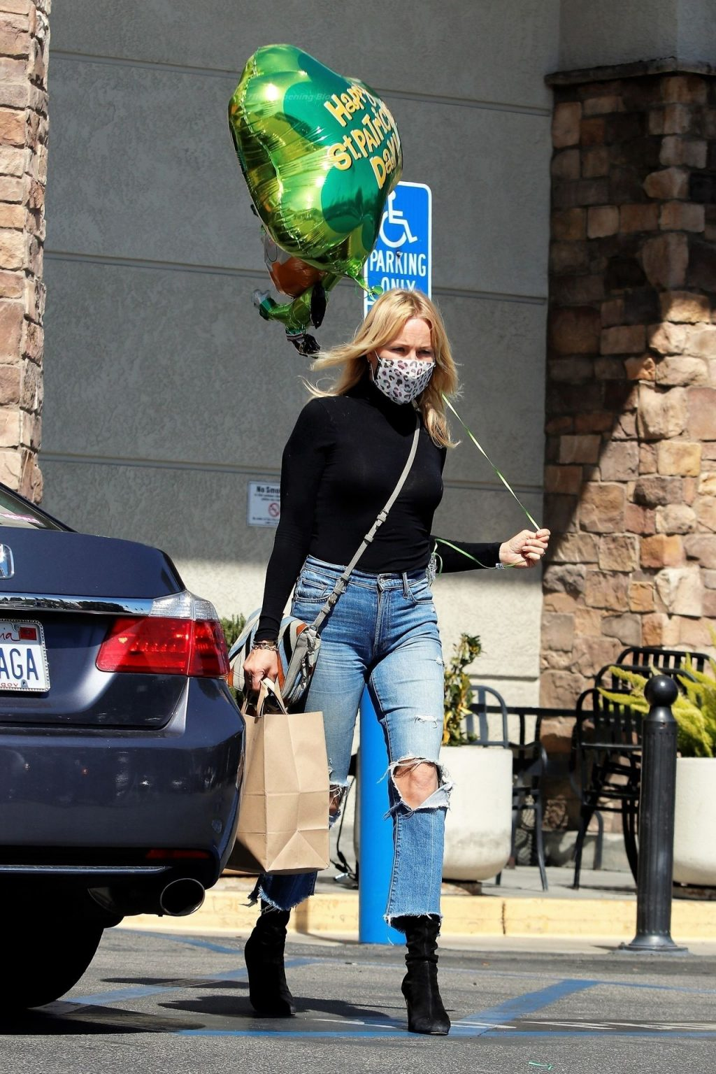 Malin Akerman Leaves the Market with a Lot of St. Patrick's Day Spirit (34 Photos)