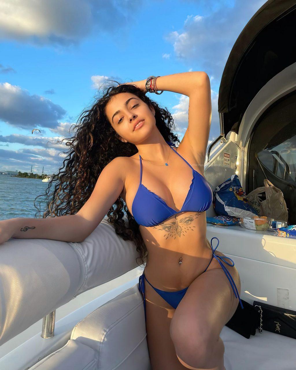Malu Trevejo Shows Off Her Curves (8 Photos)