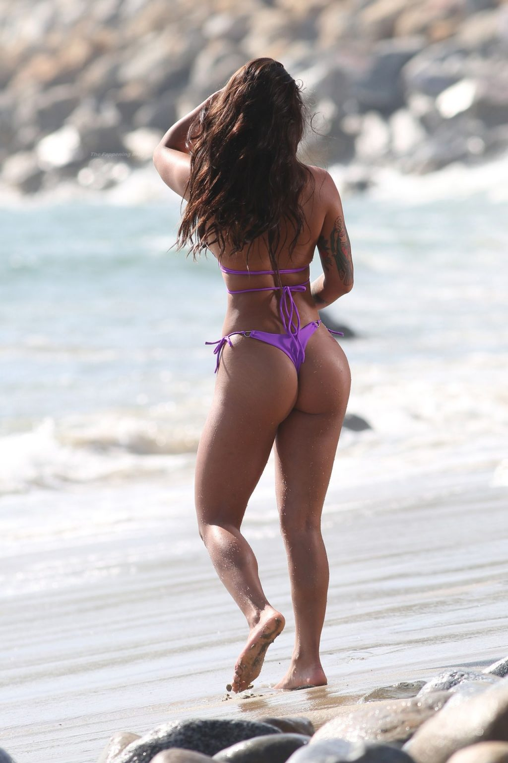 Maria Gomez Poses Up a Storm as She Shoots a New Advert on the Beach in Malibu (48 Photos)