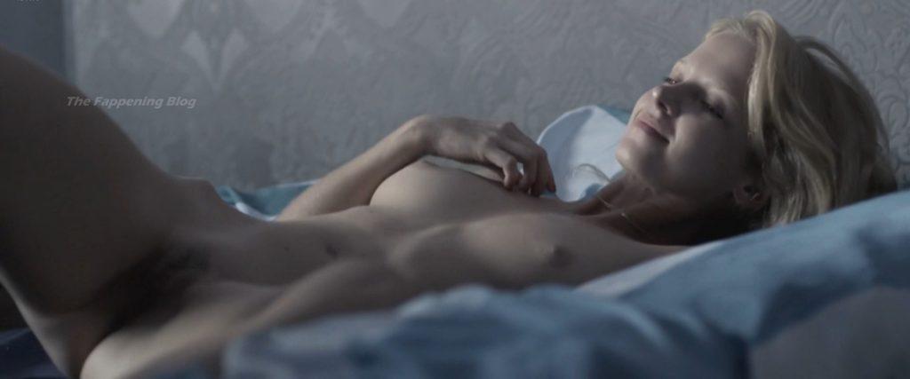 Marta Nieradkiewicz Nude – Plynace Wiezowce (8 Pics + Video)