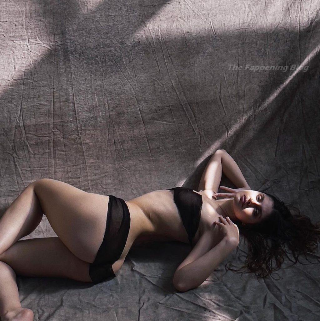 Martina Vismara Sexy (13 Photos)