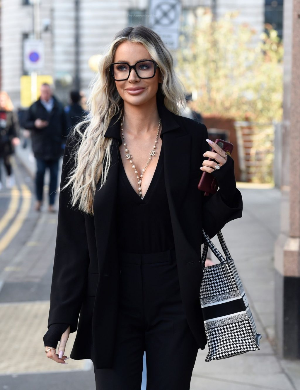 Busty Olivia Attwood is Filming at Touched Interiors in Manchester (37 Photos)