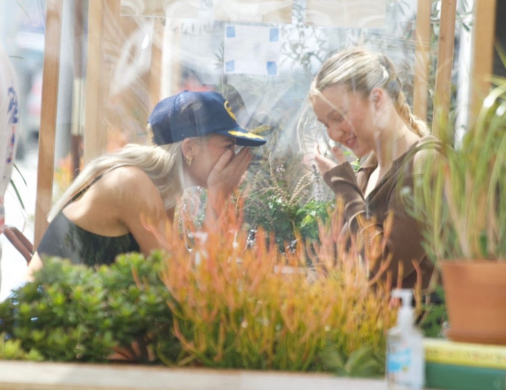 Paige Lorenze is Seen Grabbing Coffee in Beverly Hills (11 Photos)