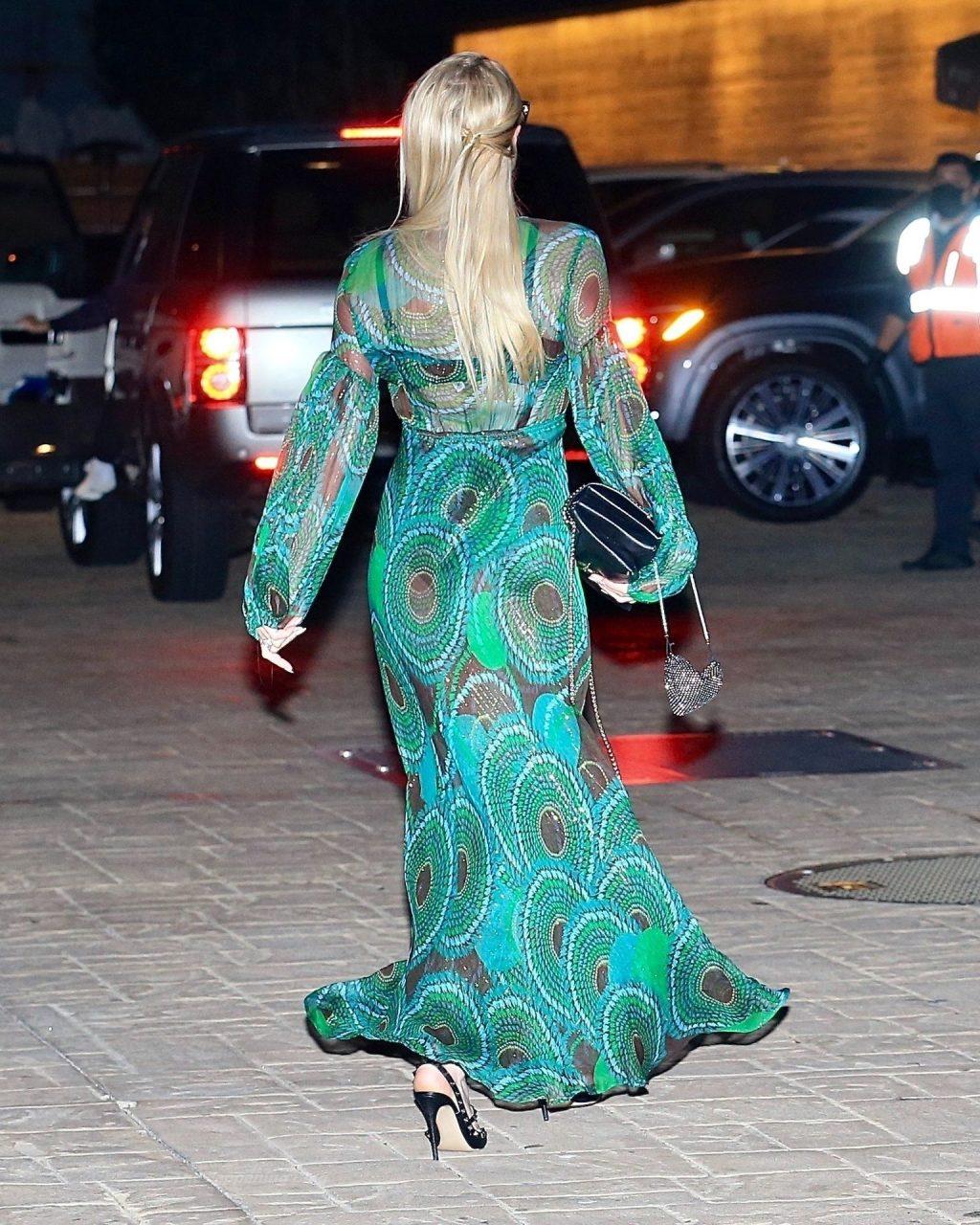 Leggy Paris Hilton Has Dinner at Nobu with Her Mom and Dad (70 Photos)