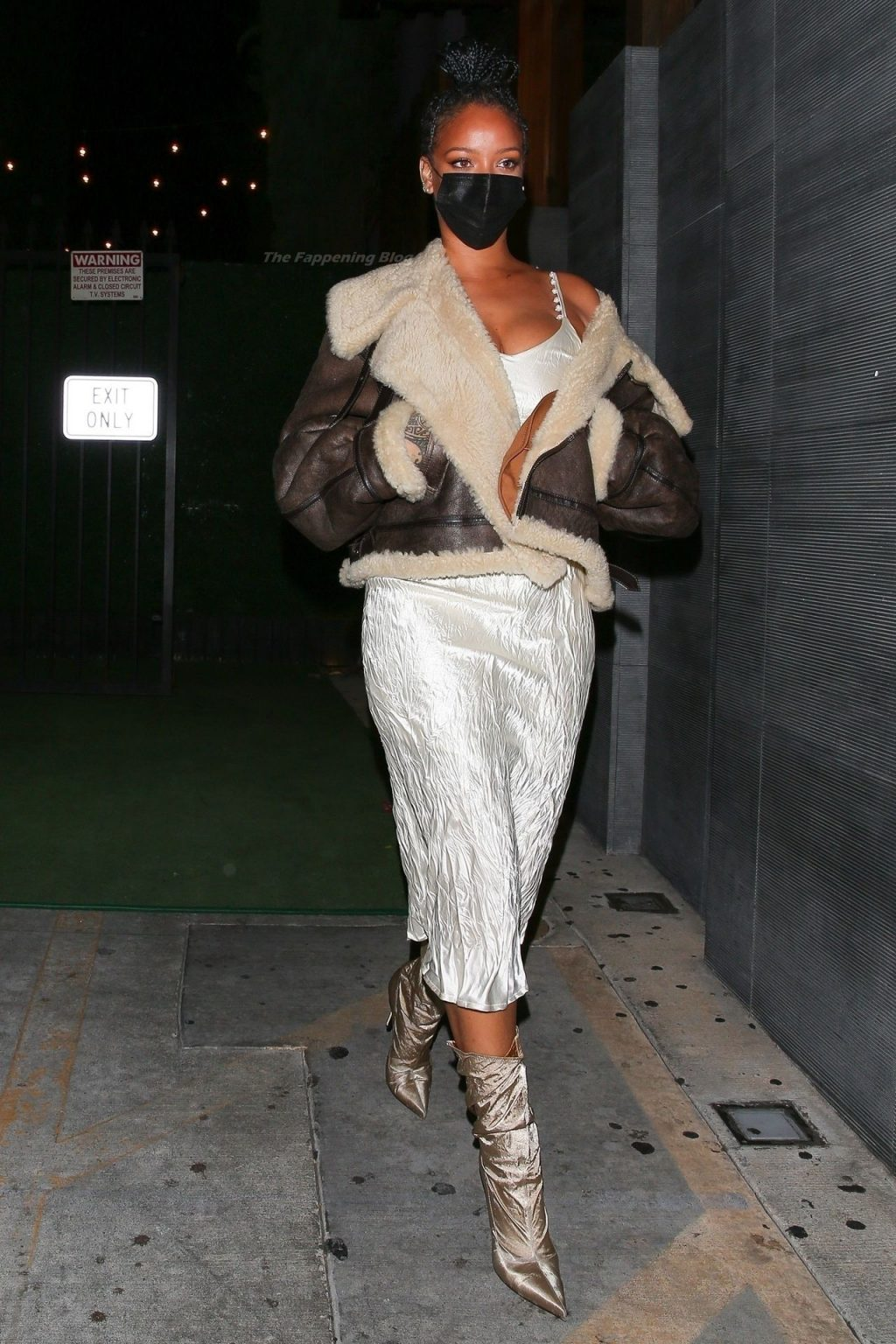 Rihanna Stuns in a White Dress and Boots (27 Photos)
