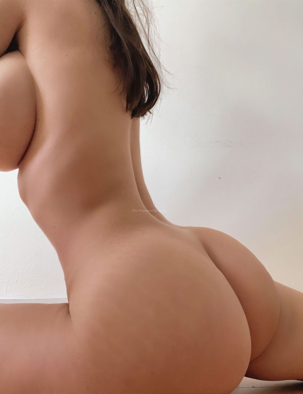 Topless sophie mudd Sophie Mudd