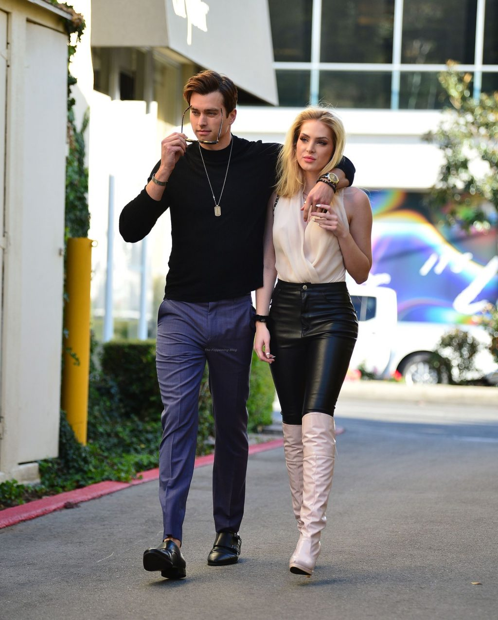Saxon Sharbino & Pierson Fodé Pack on the PDA After a Romantic lunch in LA (15 Photos)