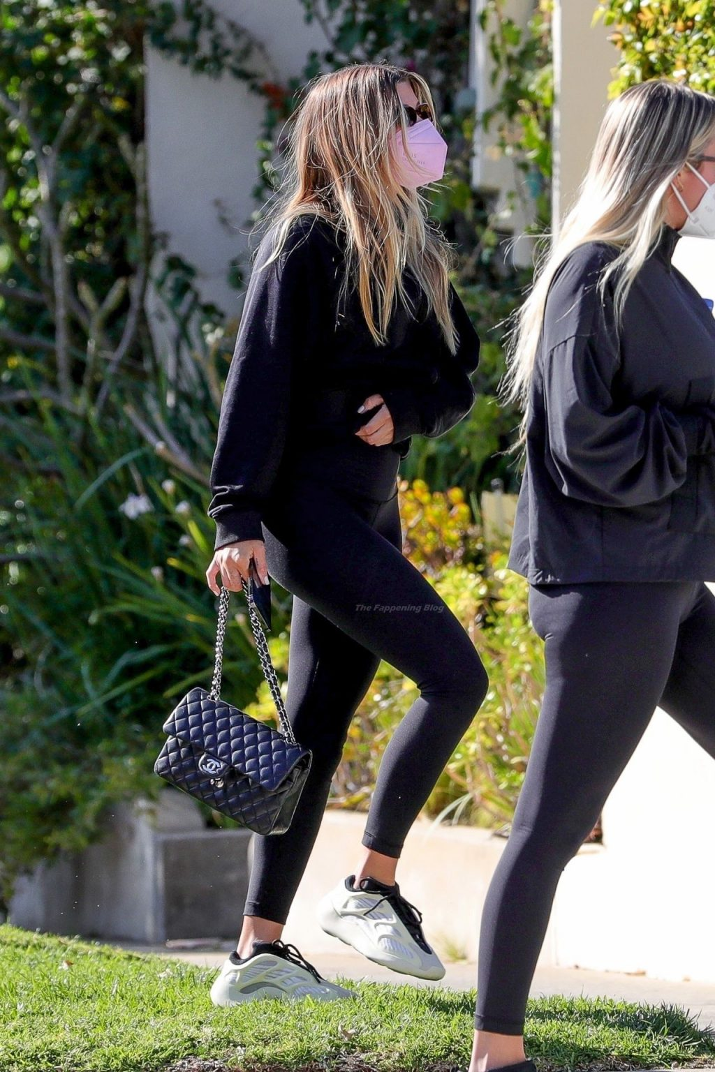 Sofia Richie Looks Great in All-Black (16 Photos)