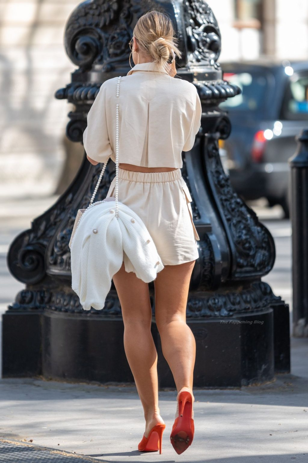 Vogue Williams Shows Off Her Sexy Legs in London (7 Photos)